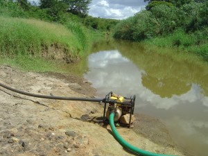 photo motor pumping water